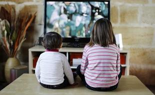 Posture-enfant-television